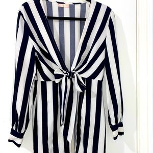 Black and white stripped tie up blouse